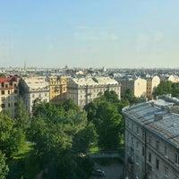 Снимок сделан в Паруса на крыше пользователем Evgeniy A. 6/1/2016