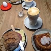 Photo taken at Kaffeslabberas'en by Szofi O. on 10/31/2016
