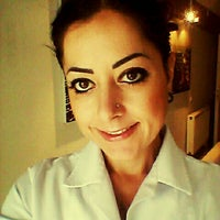 Das Foto wurde bei Arya Güzellik von Melda Ş. am 4/30/2014 aufgenommen