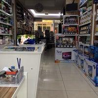 Photo taken at şahin elektronik by Y@LÇIN .. on 4/28/2014
