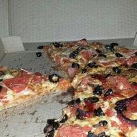 Foto tomada en Pizzaland por Esteban M. el 9/10/2013