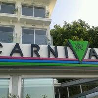 8/20/2013 tarihinde İsa O.ziyaretçi tarafından Carnival Restaurant'de çekilen fotoğraf