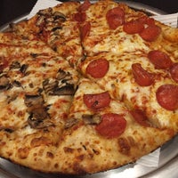Photo taken at Domino's Pizza by Erick G. on 11/16/2015