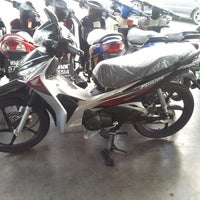 Photo taken at Kedai Ah Hai Motor Taman Samarinda by Mohamad Nasaruddin M. on 9/30/2013