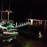 Foto tirada no(a) Banana Bay Marina (Bahía Banano, S.A.) por Jennifer B. em 3/3/2014
