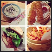 Photo prise au Shiso Burger par Bina E. le11/10/2013