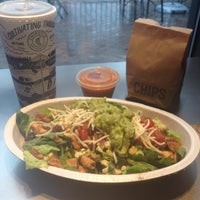 Photo taken at Chipotle Mexican Grill by Joy D. on 9/27/2015