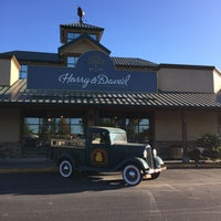 Photo taken at Harry & David Country Store by Jose M. on 9/13/2016