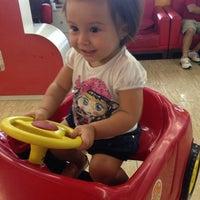 Photo taken at Descabelados - Salão Infantil by Larissa P. on 1/11/2014