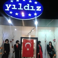 Foto tirada no(a) yıldız  butik por Yildiz B. em 10/28/2013
