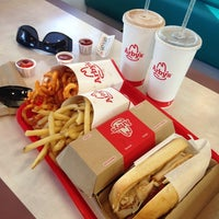 Photo taken at Arby's by Carolina Natalie M. on 9/30/2014