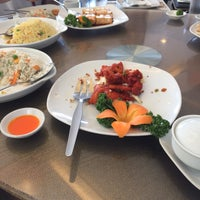 Photo taken at Yang Chow Dimsum & Teahouse by Paulieastridge on 2/24/2017