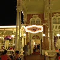 Photo taken at Tony's Town Square Restaurant by Martin P. on 2/24/2013