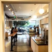 Foto diambil di Blue Bottle Coffee oleh Clay M. pada 8/7/2015