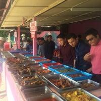 Photo taken at Kedai Nasi Ekonomi Depan Maktab by Aiman A. on 1/16/2017