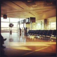 Photo taken at Doha International Airport (DOH) مطار الدوحة الدولي by Howard J. on 3/27/2013