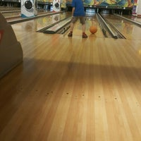 Photo taken at Planet Bowling Restaurant by Sinem a. on 6/20/2015