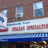 6/1/2013にSidney W.がFaicco's Italian Specialtiesで撮った写真