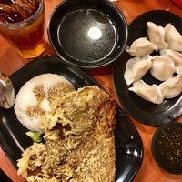 1/28/2017 tarihinde Grazey D.ziyaretçi tarafından Tasty Dumplings'de çekilen fotoğraf