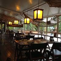 Foto tirada no(a) Restaurante Sushi Tokai por Márcio L. em 12/12/2012
