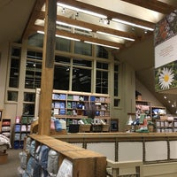 Photo taken at L.L.Bean Home Store by Mark H. on 12/30/2016