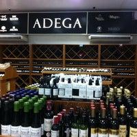 Foto tirada no(a) DLP Vinhos e Destilados por Misael A. em 3/12/2014