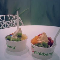 Photo taken at Pinkberry by Rajaa .. on 6/6/2014