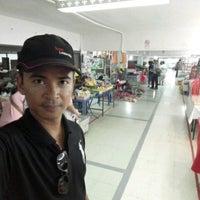 Photo taken at Indo- Chinese Market Mukdahan by Sarayut R. on 5/4/2017