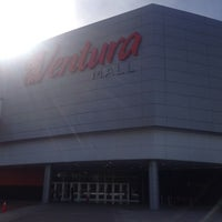Foto tomada en Ventura Mall por Federico E. el 2/17/2014