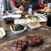 2/7/2018 tarihinde Ebru E.ziyaretçi tarafından Ethçi Steakhouse'de çekilen fotoğraf