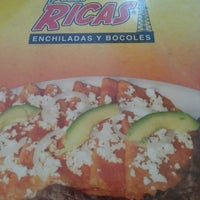 Photo taken at Poza Rica Enchiladas y Bocoles by Itzel D. on 12/1/2013