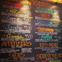 Photo prise au Cheesie's Pub & Grub par Amy S. le6/7/2013
