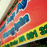 Photo taken at Bubur Sop Ayam Mang Ipin by Nedy Lutfi on 5/17/2014