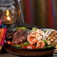 Foto tomada en La Parrilla Mexican Restaurant por La Parrilla Mexican Restaurant el 9/8/2016
