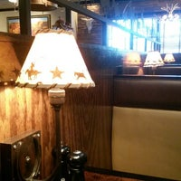 Photo taken at LongHorn Steakhouse by Norah A. on 9/17/2013