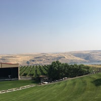 Photo taken at Maryhill Winery & Amphitheater by Hacchi329 on 8/8/2017