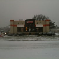 Photo taken at Dunkin' Donuts by Rosalee L. on 1/6/2015