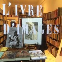 Photo taken at Librairie L'ivre d'images by Leïla A. on 4/11/2015