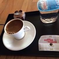 9/7/2014 tarihinde Kadir Y.ziyaretçi tarafından Coffee House London'de çekilen fotoğraf