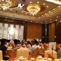 Photo taken at Shangri-La Hotel by Janejira T. on 11/10/2012