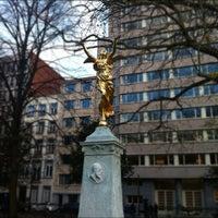 Photo prise au Square de Meeûs par Mike H. le11/26/2012