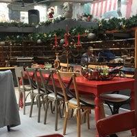 12/24/2017 tarihinde Hilal 🌙ziyaretçi tarafından L'Ange Patisserie & Café'de çekilen fotoğraf