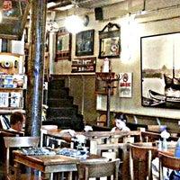 9/13/2013 tarihinde Ceylan Ö.ziyaretçi tarafından Ara Kafe'de çekilen fotoğraf