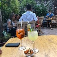 Foto scattata a timoleone cafe da Sabine A. il 7/19/2018