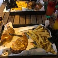8/18/2018 tarihinde 🔱Furkan Vekli🔱ziyaretçi tarafından Nusr-Et Burger'de çekilen fotoğraf