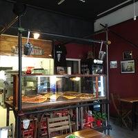 3/30/2016 tarihinde David L.ziyaretçi tarafından Zerostress pizza'de çekilen fotoğraf
