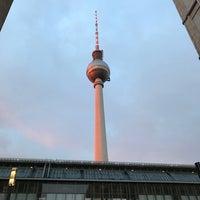 Photo taken at Bahnhof Berlin Alexanderplatz by David L. on 12/14/2017