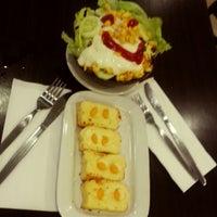 Photo taken at Pizza Hut by Barreta G. on 5/19/2015