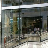 negozio louboutin milano