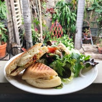 Photo taken at Veronese Gallery Cafe by Eunice K. on 1/7/2017